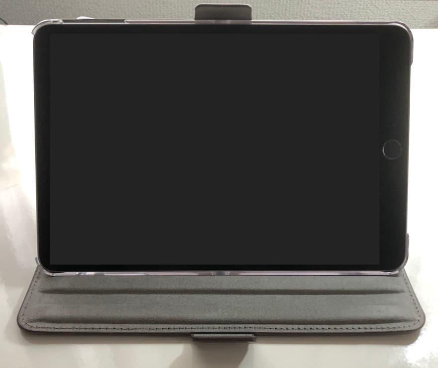 動画視聴用スタンドとして5段階に角度調節可能