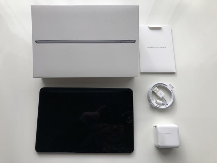 iPad mini(第5世代)の本体・外箱・ケーブル・充電器・説明書
