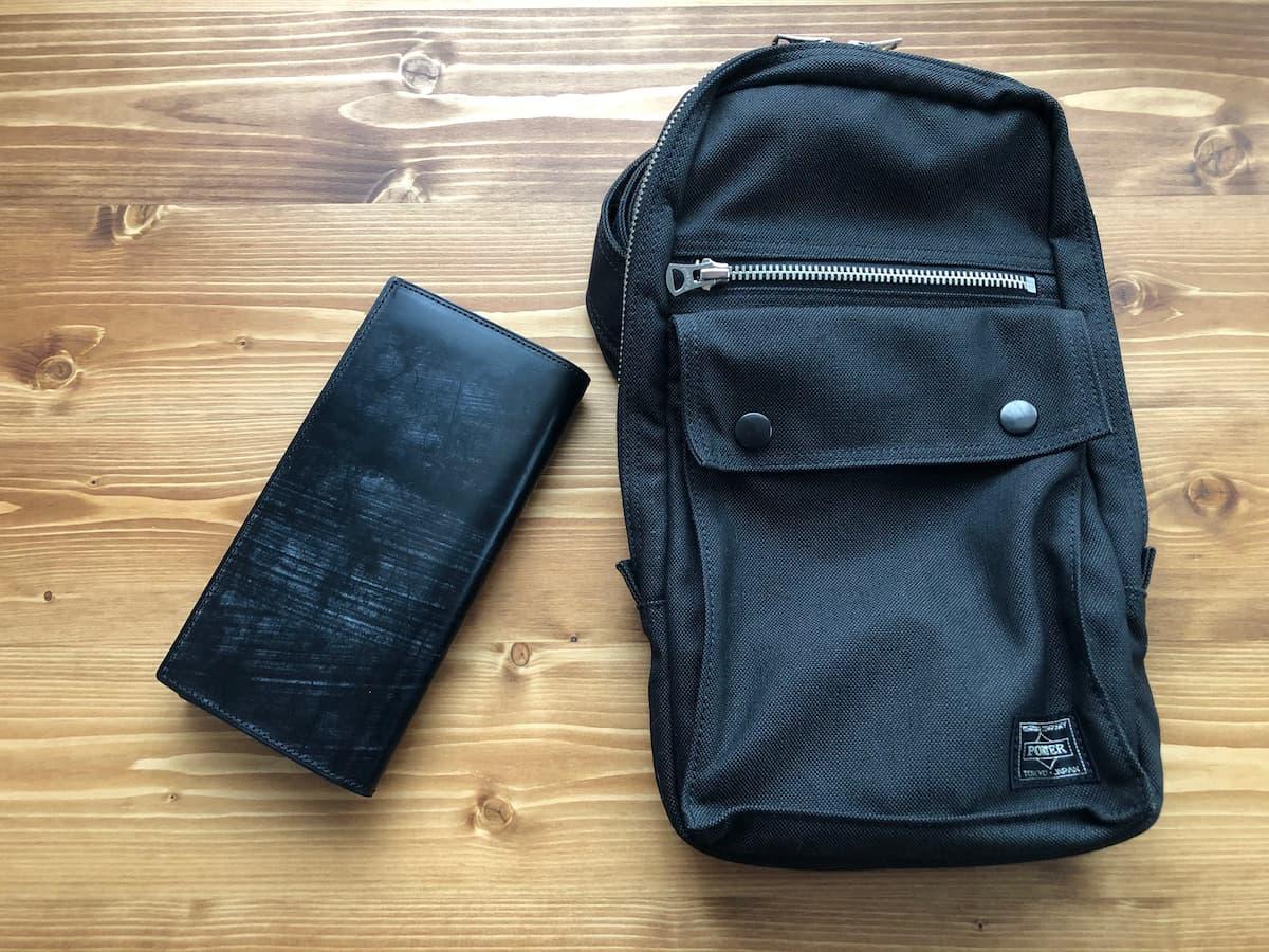 長財布とバッグ